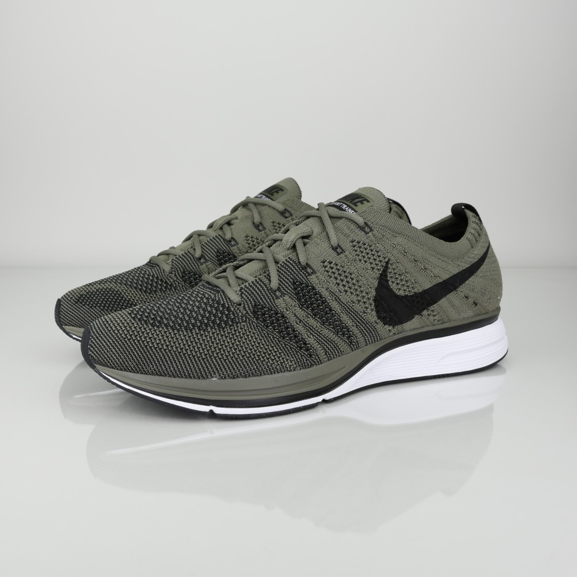 11334fc7500b NIKE FLYKNIT TRAINER - Chez Vibe