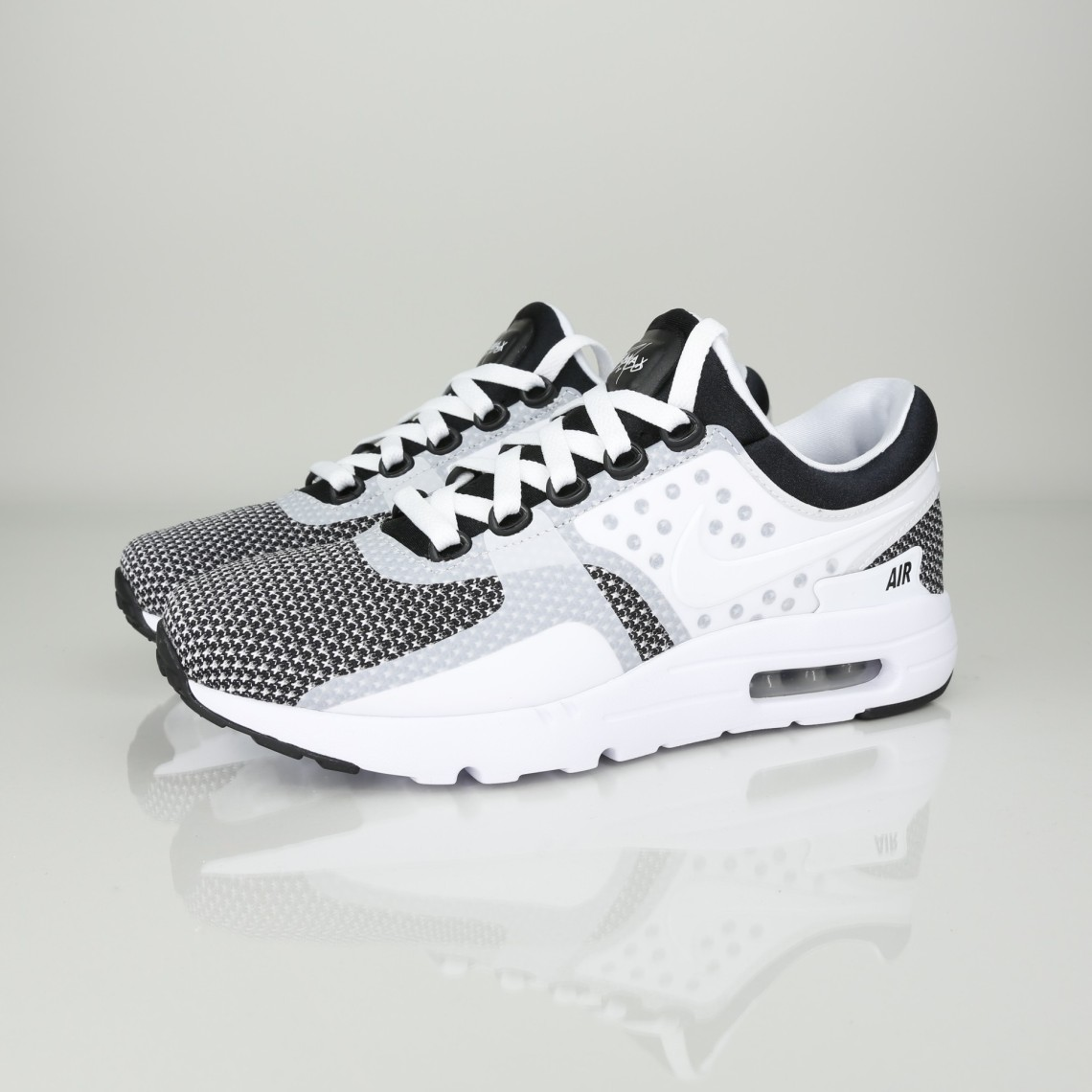 free shipping recognized brands detailing NIKE AIR MAX ZERO ESSENTIAL